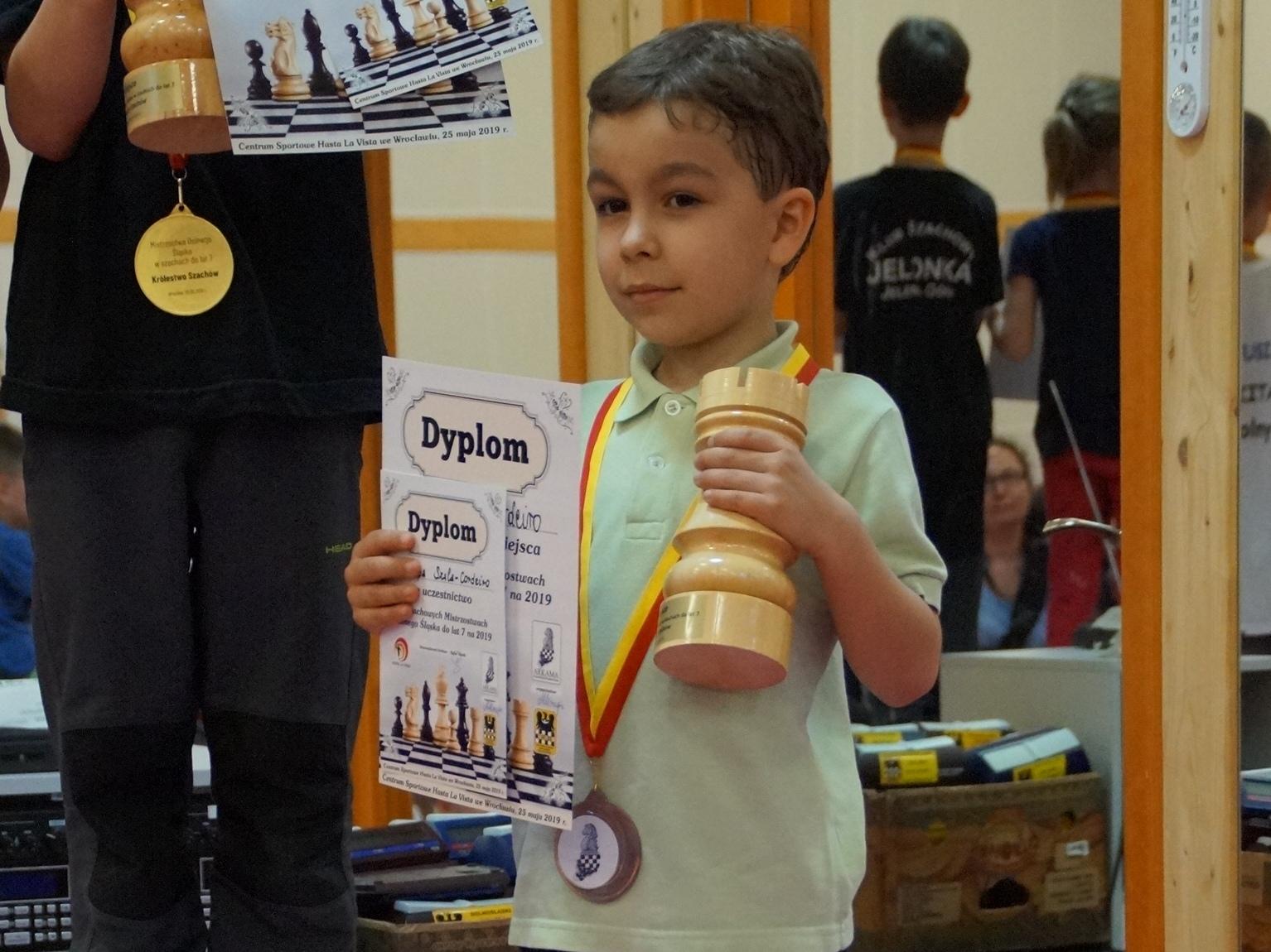 Mistrzostwa Dolnego Śląska do lat 7: Filip  Szala-Cordeiro z brązowym medalem!